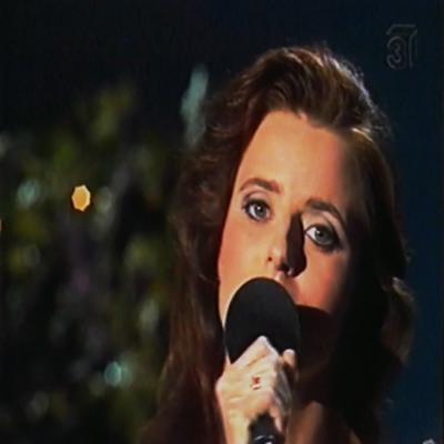 beloved-child sings at TV show1